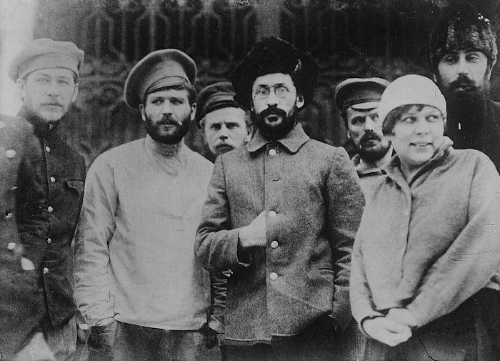 trotsky vs stalin