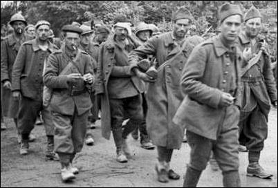 http://www.historyplace.com/worldwar2/defeat/attack-france-prisoners.jpg