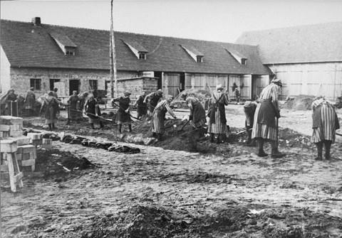 The History Place - Holocaust Timeline: Ravensbrueck ...